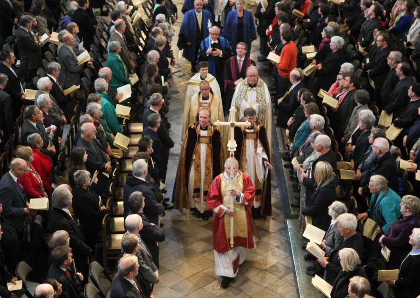 Procession at the start of the ordination service at Westminster ANL-150514-170241001