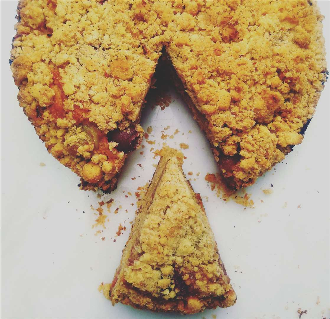 Hazelnut, grape and gooseberry crumble cake (13396491)