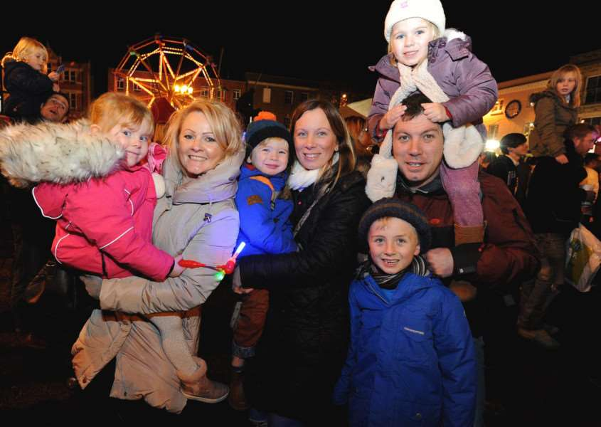 Bury St Edmunds light switch on 2017''Pictured: Messenger family'''''PICTURE: Mecha Morton