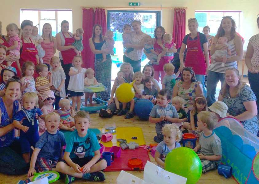 Elmswell Baby and Toddler Group celebrate their new toys ANL-160816-132051001