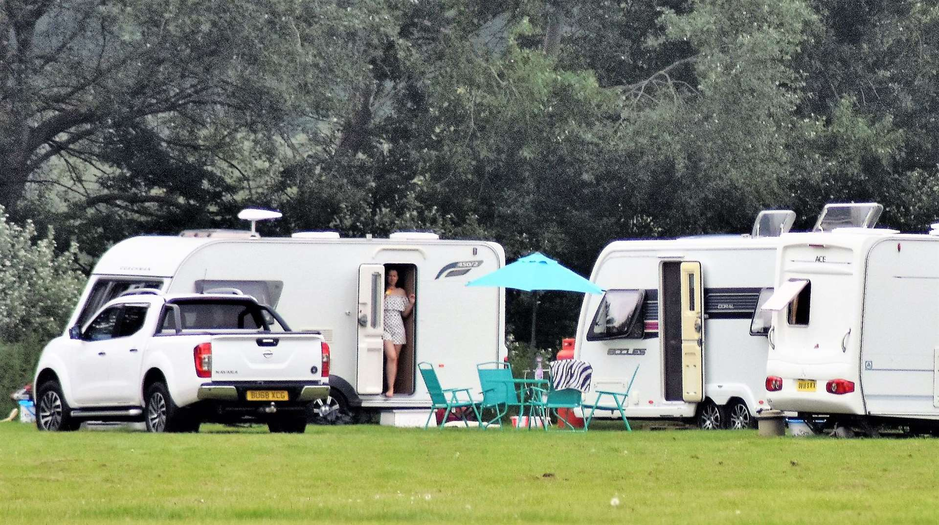Travellers in Mildenhall, Monday 24 June (12893612)