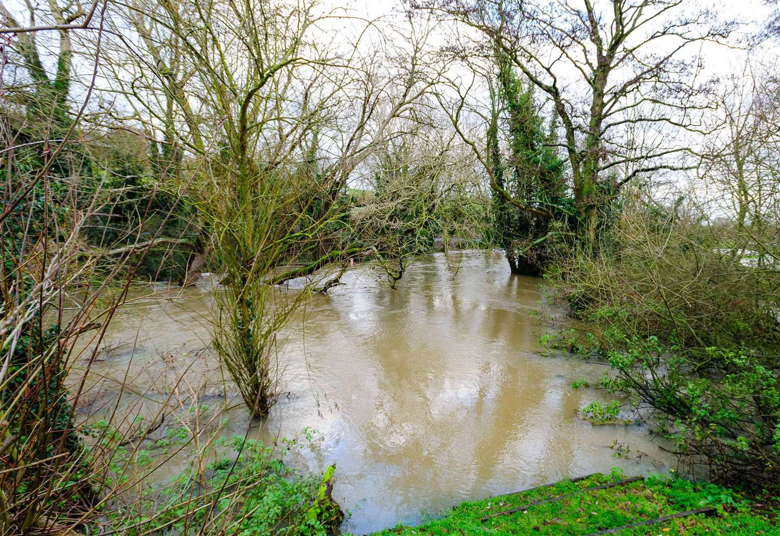 Cornard residents criticise inaction of authorities after scrambling to fight off floods