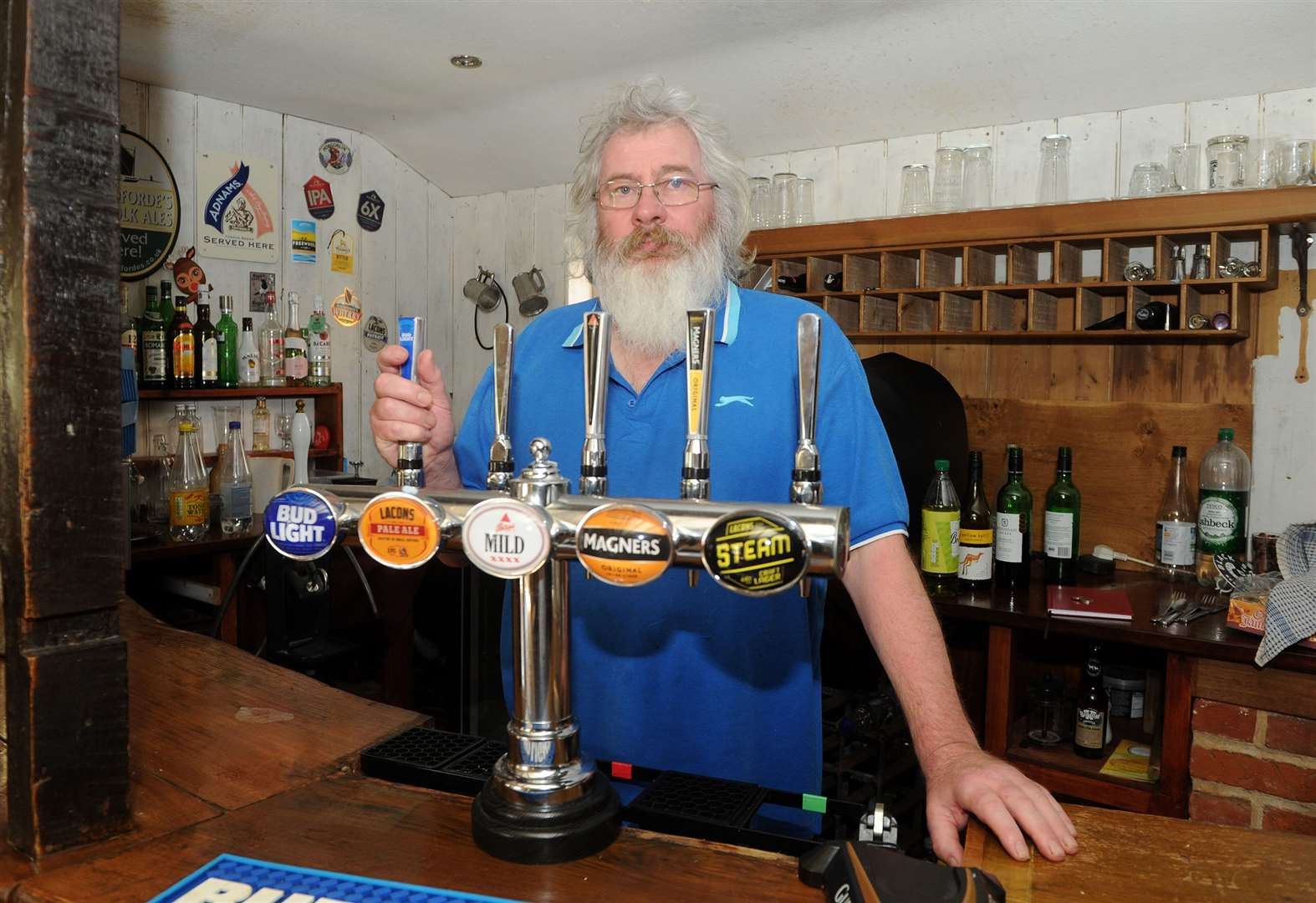 Landlord calls last orders at Stansfield Compasses pub