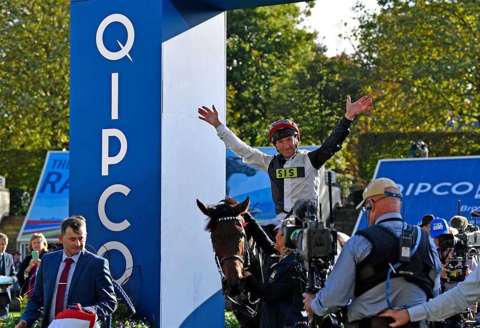 Dettori clinches a landmark Group 1 win on Star Catcher