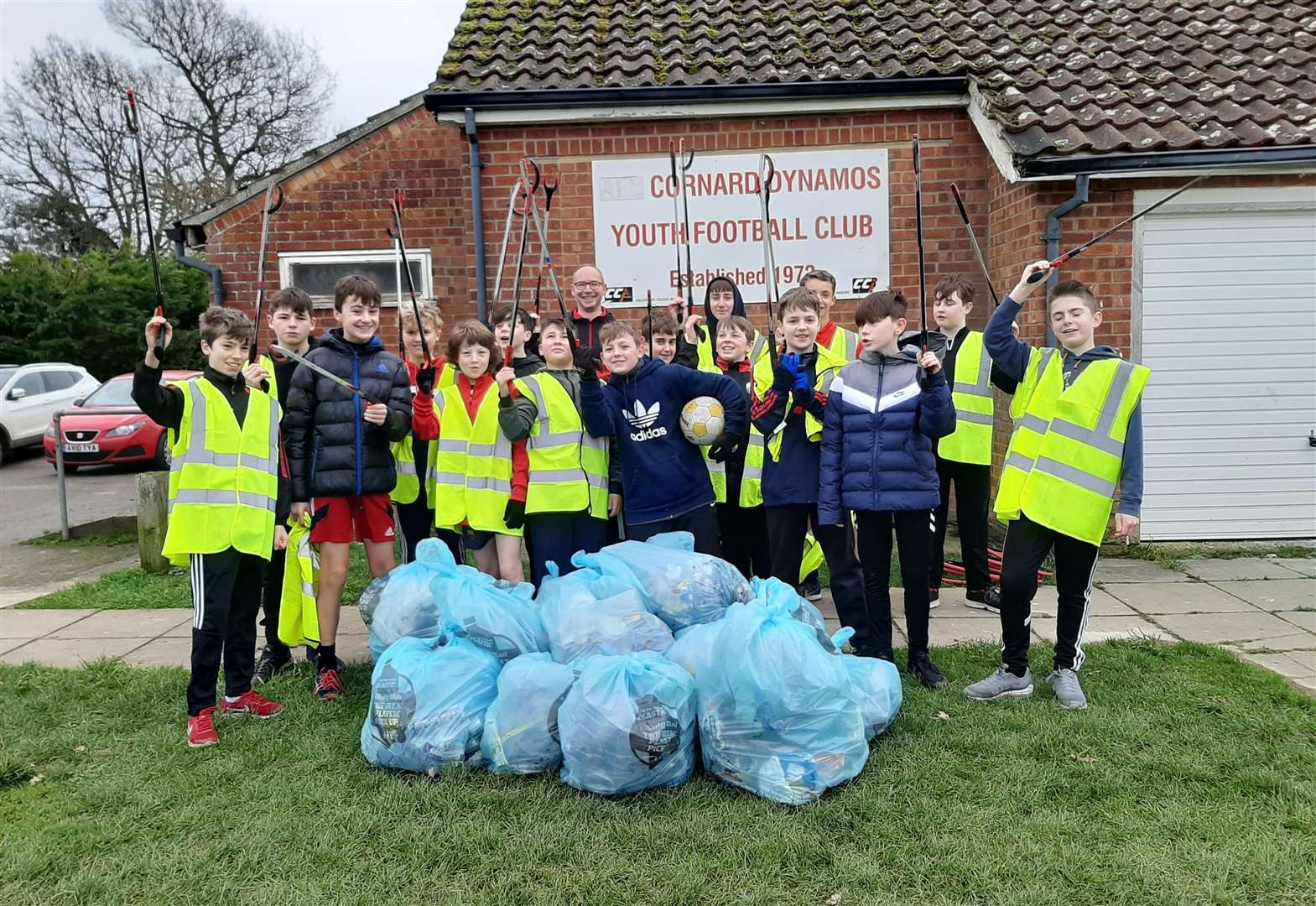 Youth football players help clean up Great Cornard with sponsored litter pick