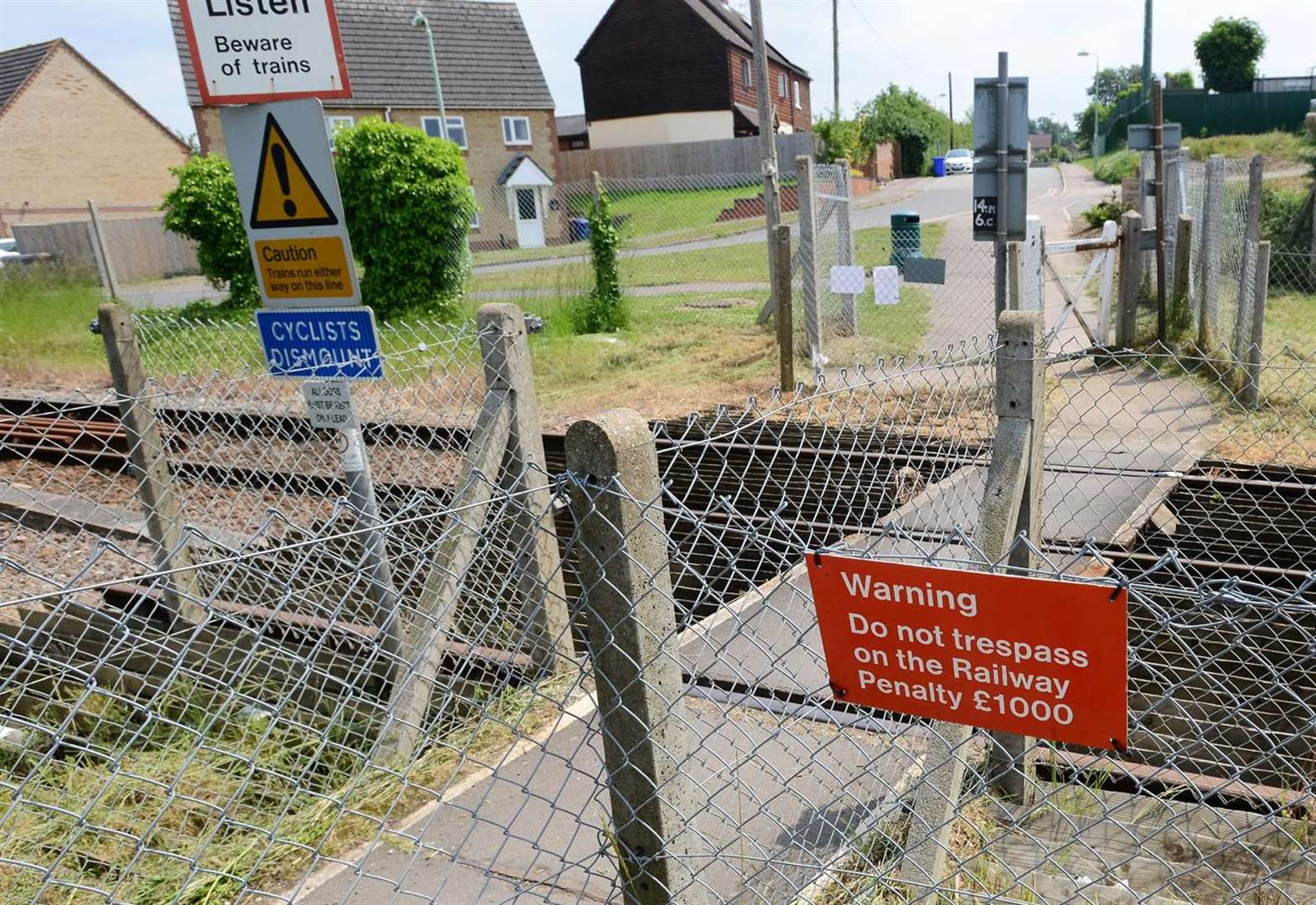 Newmarket's Weatherby rail crossing backed by Suffolk County Council