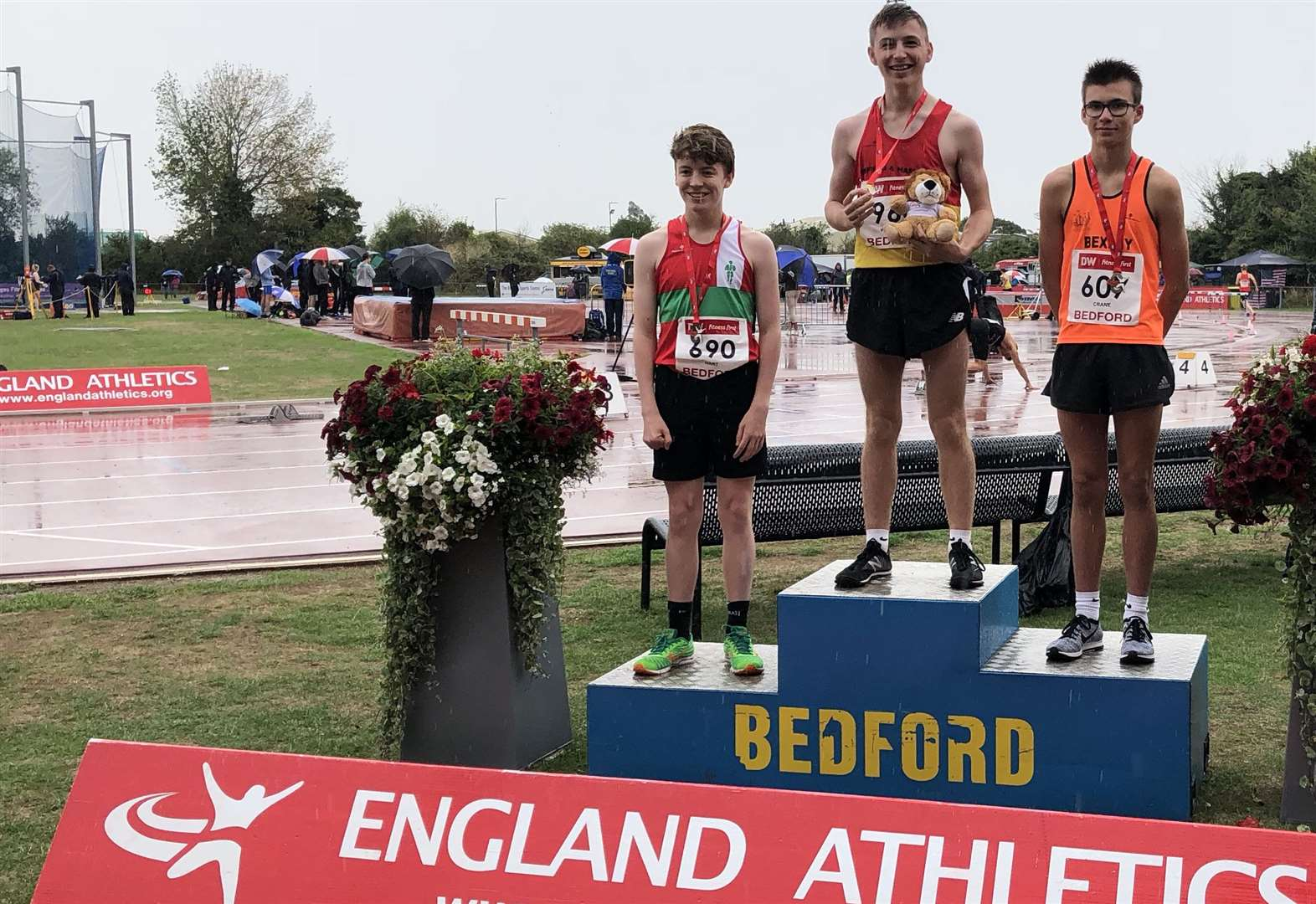 George Wilkinson claims English Schools title in new PB