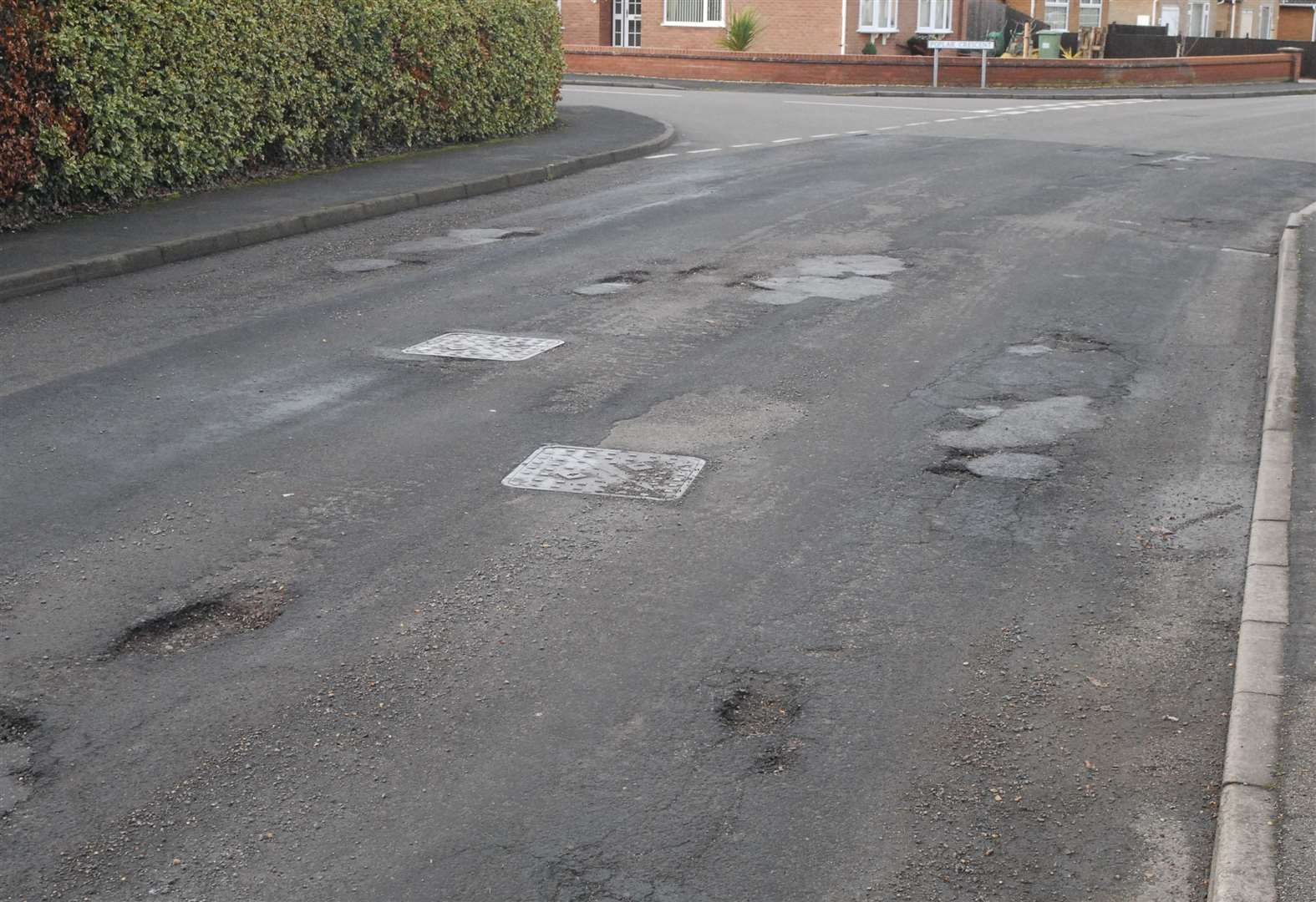 Suffolk Labour describes pothole blight as 'poor advert for county' as repairs budget revealed