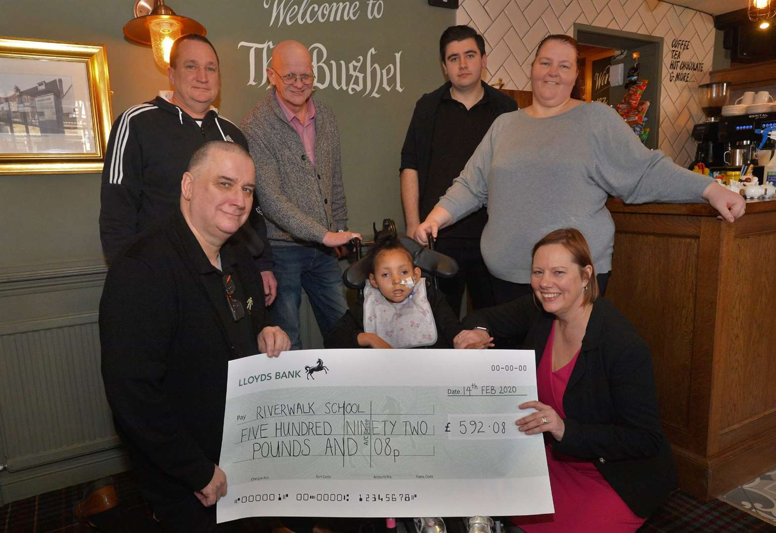 Bushel regular Lee completes 4000 sit-ups as Newmarket pub backs school's pool fund