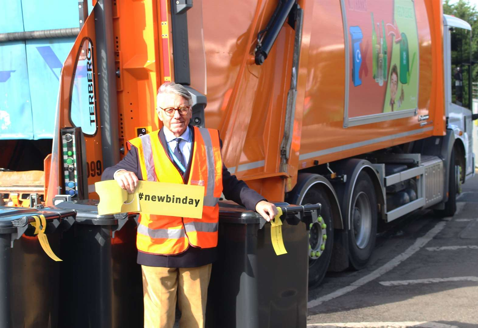 No alternative to £22k bin day letter, says West Suffolk Council
