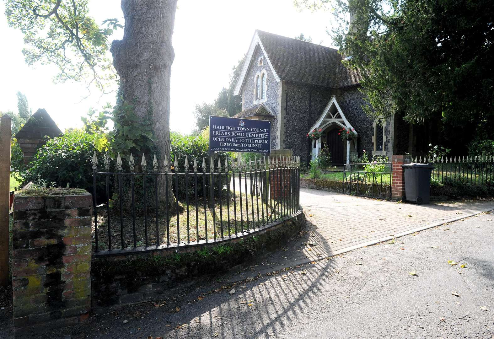 Hadleigh council urged to rethink cemetery extension amid financial concerns