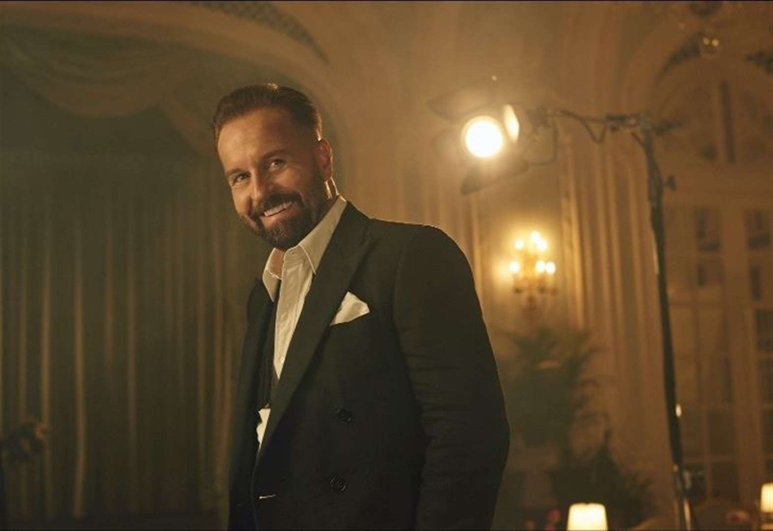 West End star Alfie Boe to make Newmarket Nights debut in August