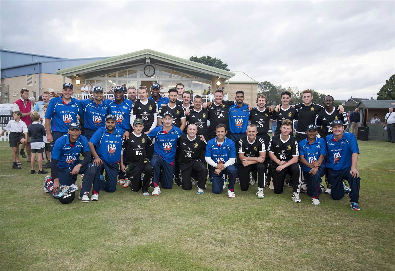 Former England cricketers to return to the Victory Ground