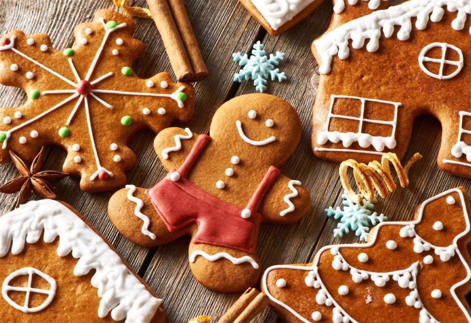 Christmas makes and bakes for all the family