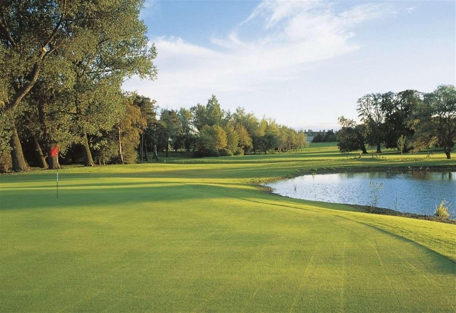 Golf ordered to shut down amid new measures