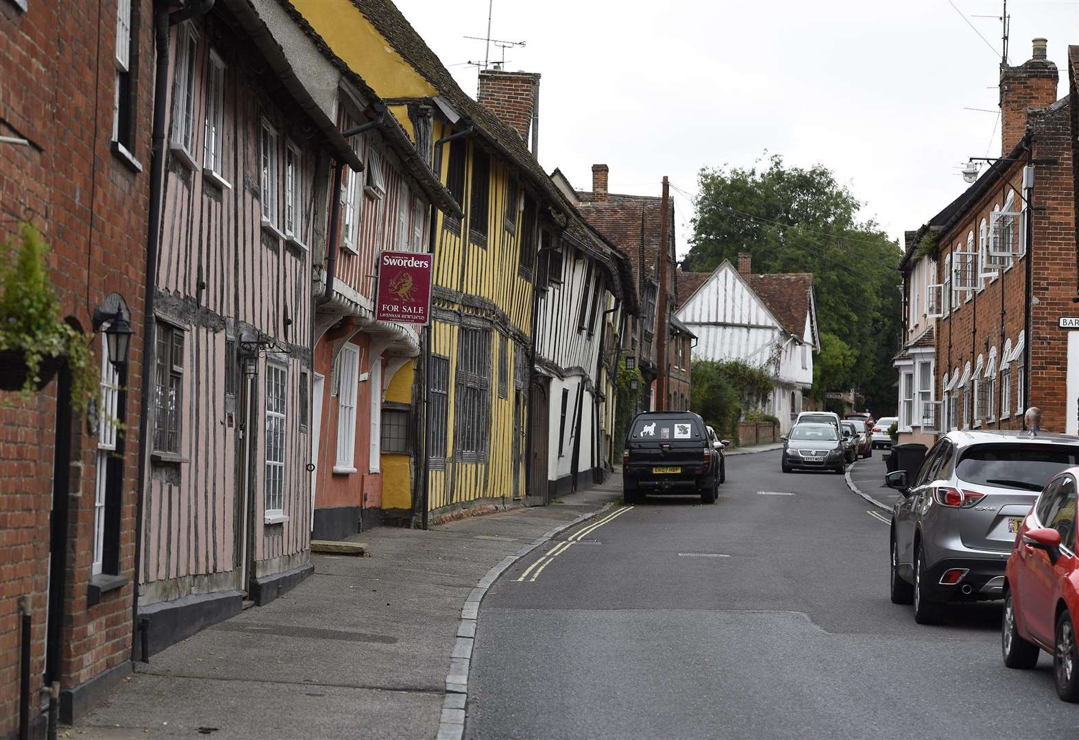 Frustration as work to install HGV limit on Lavenham street misses deadline