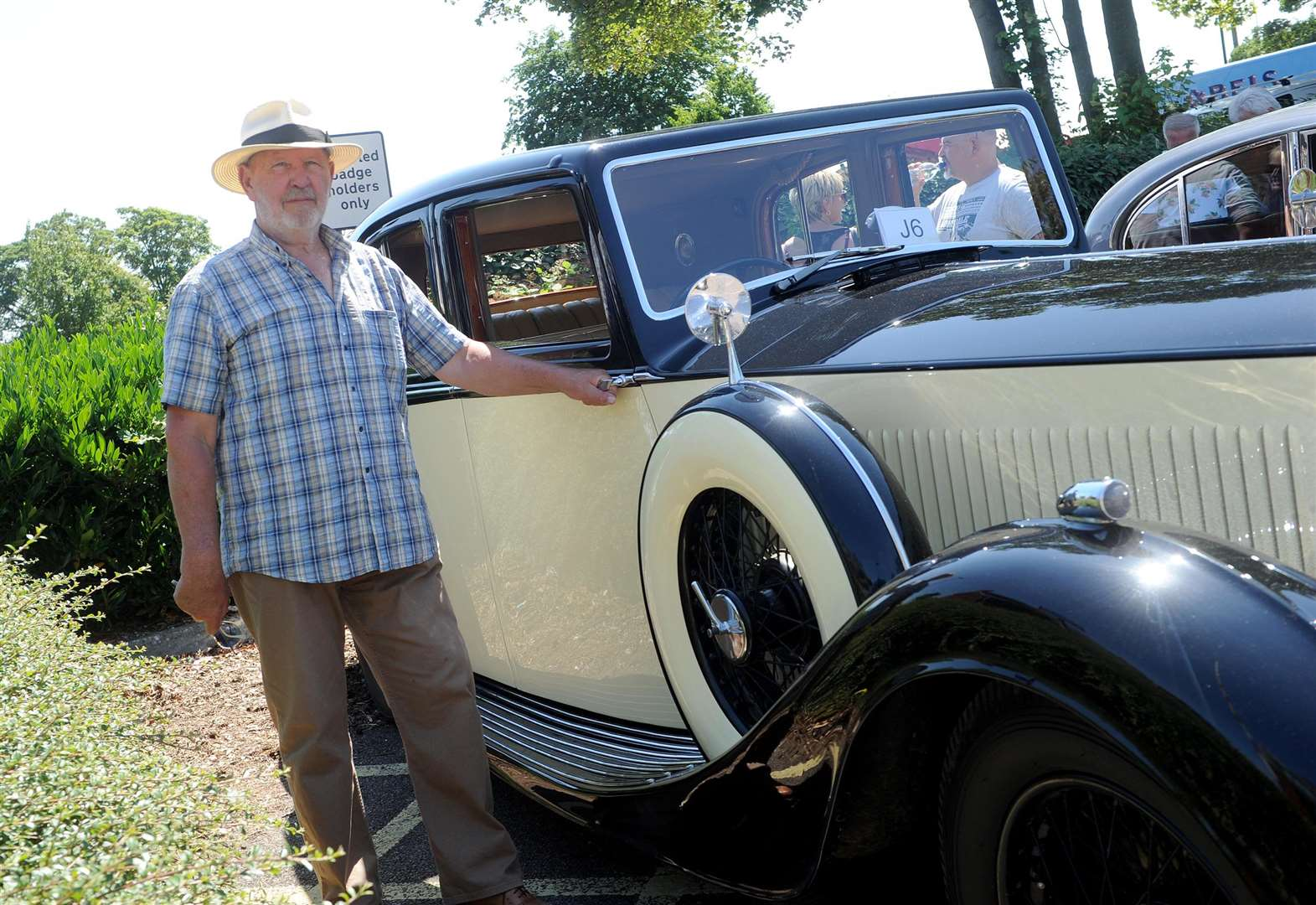 Historic Vehicle Rally attracts hundreds of visitors