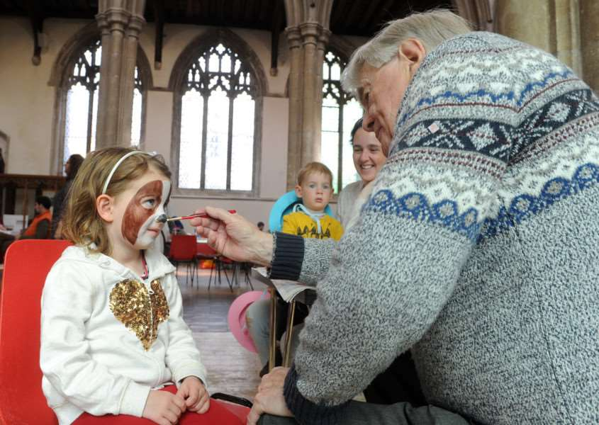 I-Spy Easter run by Churches together in Sudbury''Pictured: Milly Ryall (4) having her face painted by Glyn Jones'''PICTURE: Mecha Morton