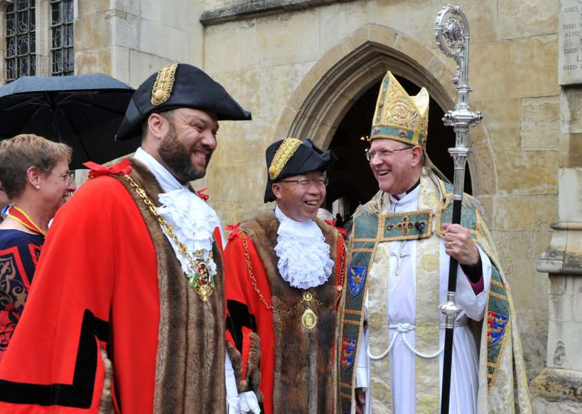 Mayor of Ipswich Glen Chisholm, Mayor of St Edmundsbury Patrick Chung and The Right Reverend Bishop Martin Seeley ANL-150620-205001009