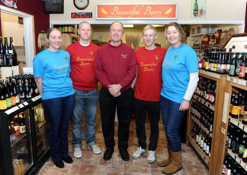Bury Tchoukball team have a new kit thanks to Beautiful Beers''Pictured: Sarah Hedges, Mike Harman, Ren� Vandenoot, Ian Parker and Sara Eden ANL-151213-183453009