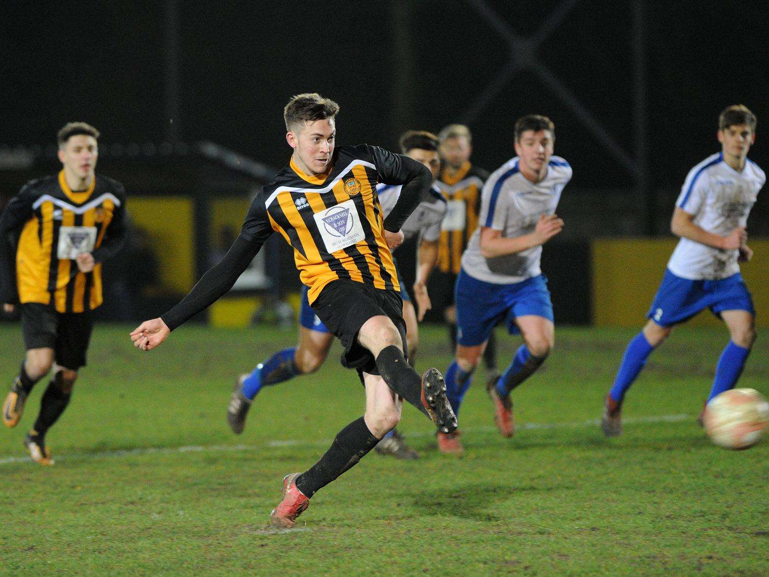PROLIFIC: Josh Mayhew took his Stow tally for the season to 39 goals. Picture: Mecha Morton