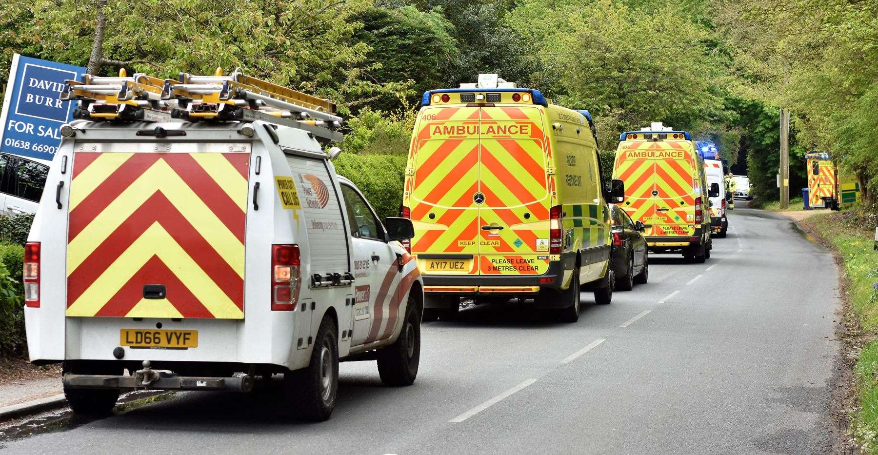 Emergency crews at scene of suspected gas explosion in Lidgate (10092846)