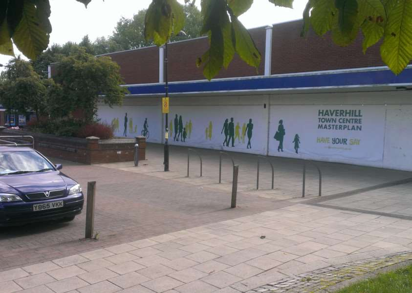 The boarded up Co-op store in Jubilee Walk, Haverhill ANL-150209-120948001