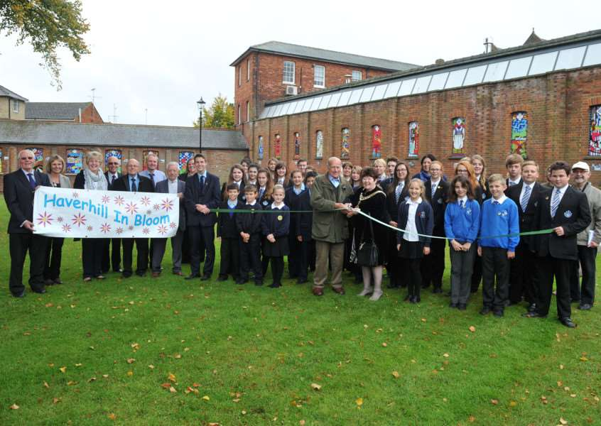 Launch of the revamped St Marys Churchyard with pupils from around Haverhill involved ANL-150610-134103009