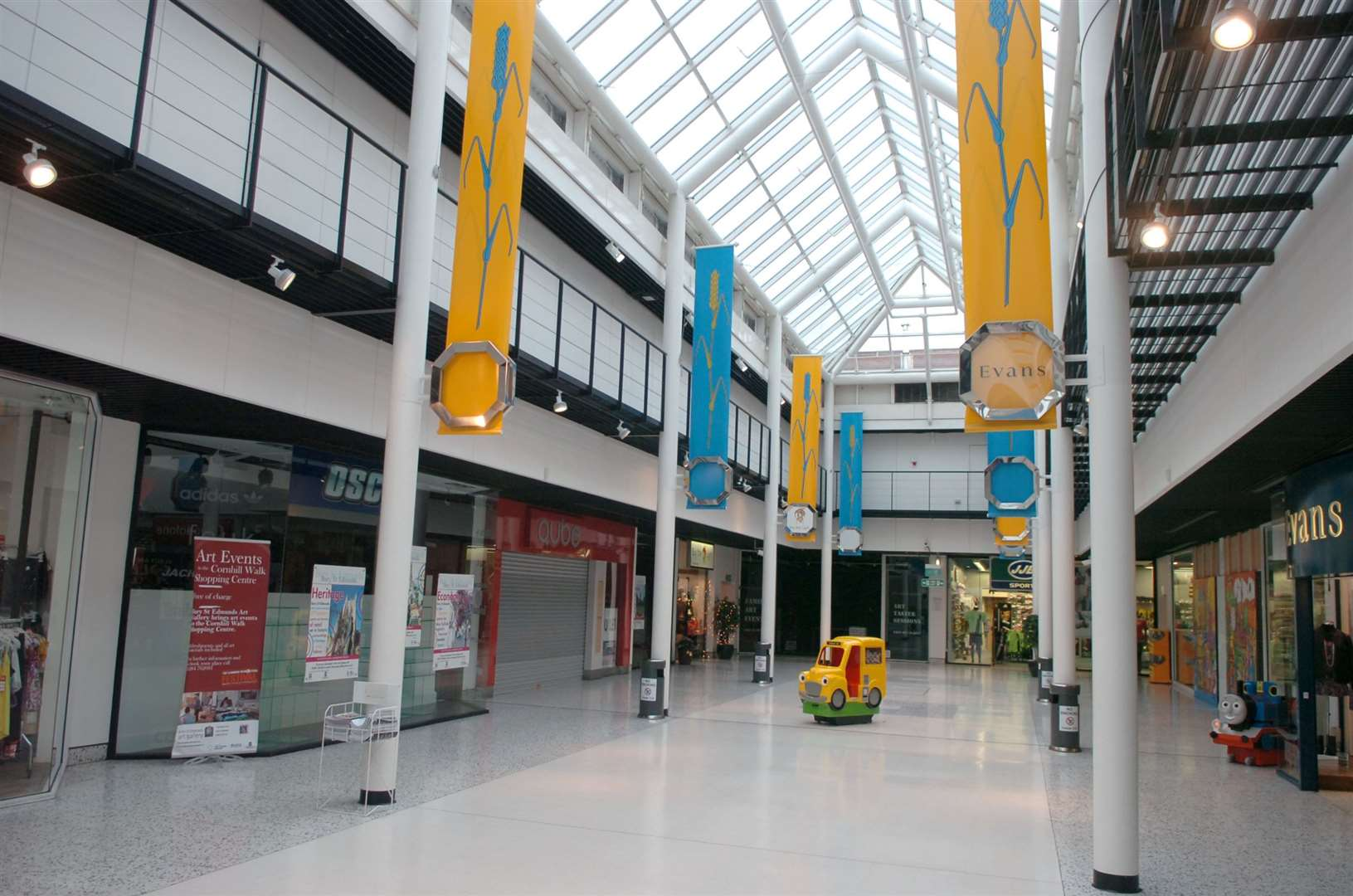 Pics from the Cornhill Walk shopping centre in Bury St Edmunds, which is now almost completly empty of shops.. (15842992)