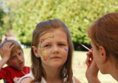 Face painting at Stowmarket Day ANL-150220-093554001