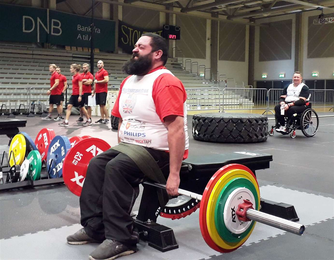 Chris Rix setting a pb in the seated deadlift at Bodo 2018 (8385577)