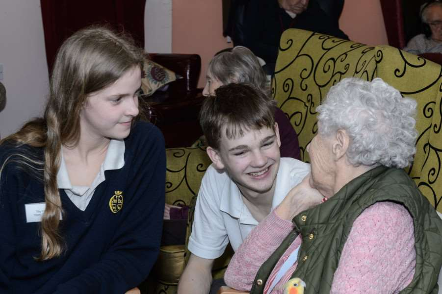 yopey - tilly watts and zach giles with st peter's house resident