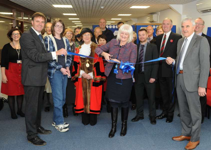 Suffolk County Council Inclusion Lead Cheryl Sharland opens Angel Hill College ANL-160411-174210009
