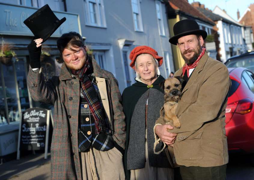 Long Melford Olde Christmas''Pictured: James Everett, Jan Barker and Peter O'Brian with Russet'''PICTURE: Mecha Morton