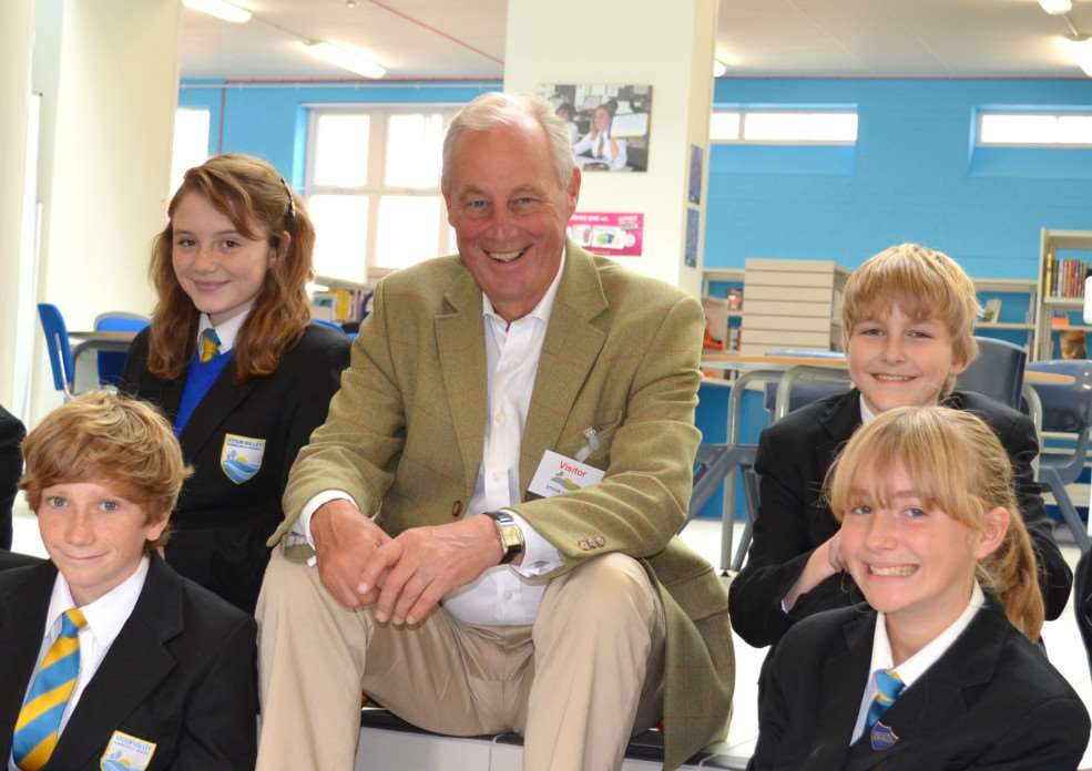 Tim Yeo MP during a visit to Clare school ENGANL00120121018173421