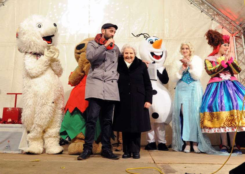 Bury St Edmunds light switch on 2017''Pictured: Louise Hovell, who switched on the lights'''''PICTURE: Mecha Morton