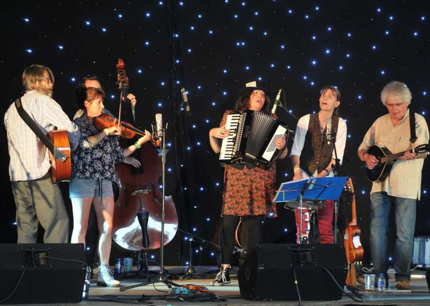 Bures music festival''Pictured: Bijoux Toots ANL-151207-201810009