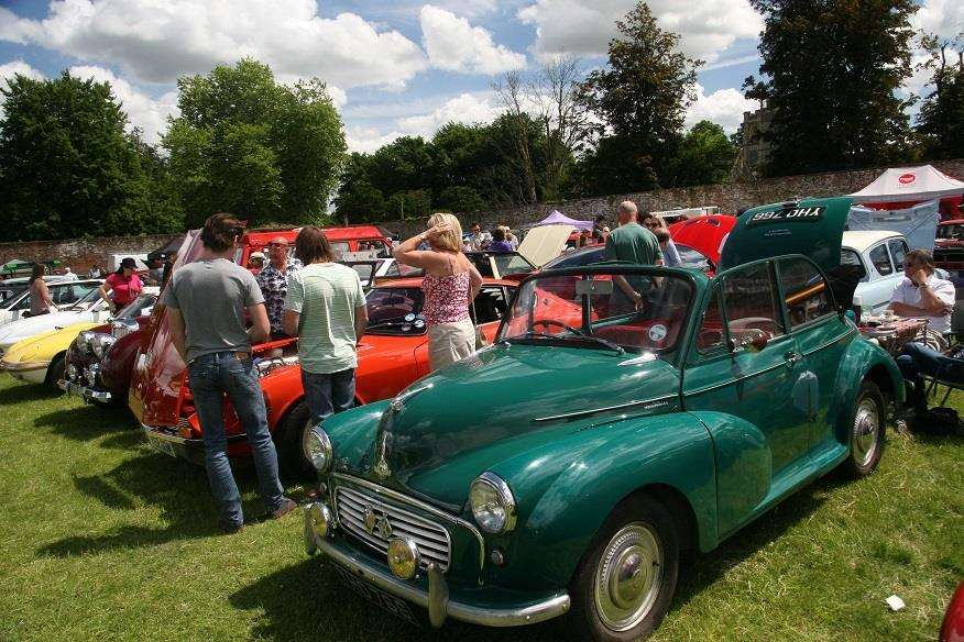 Cars at Elveden Classic and Vintage car show in 2017 (2099483)