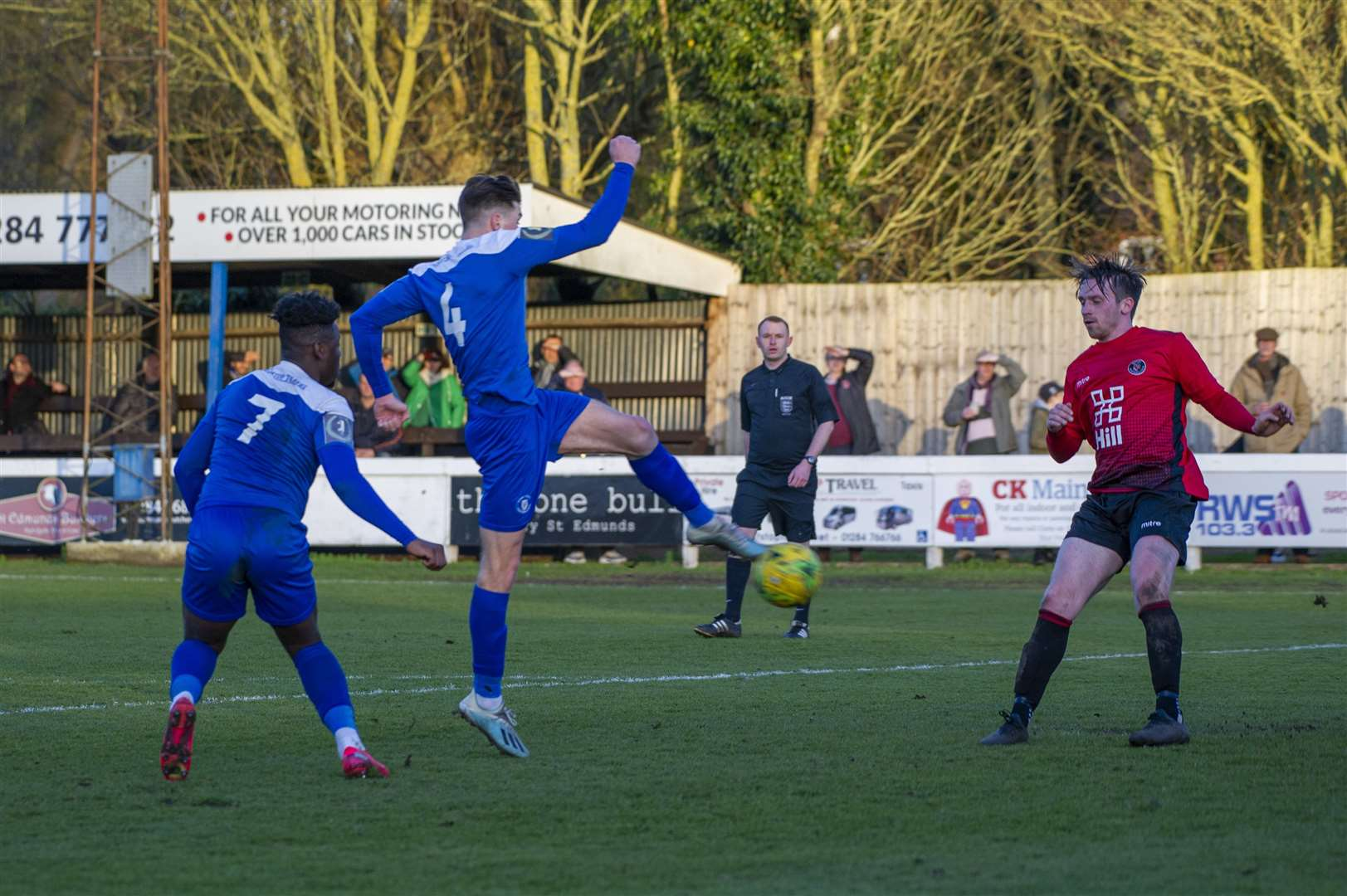 Football - Bury Town v Histon - Joe Hood scores the equaliser for Bury Town - Ram Meadow - Picture - Neil Dady. (28693523)