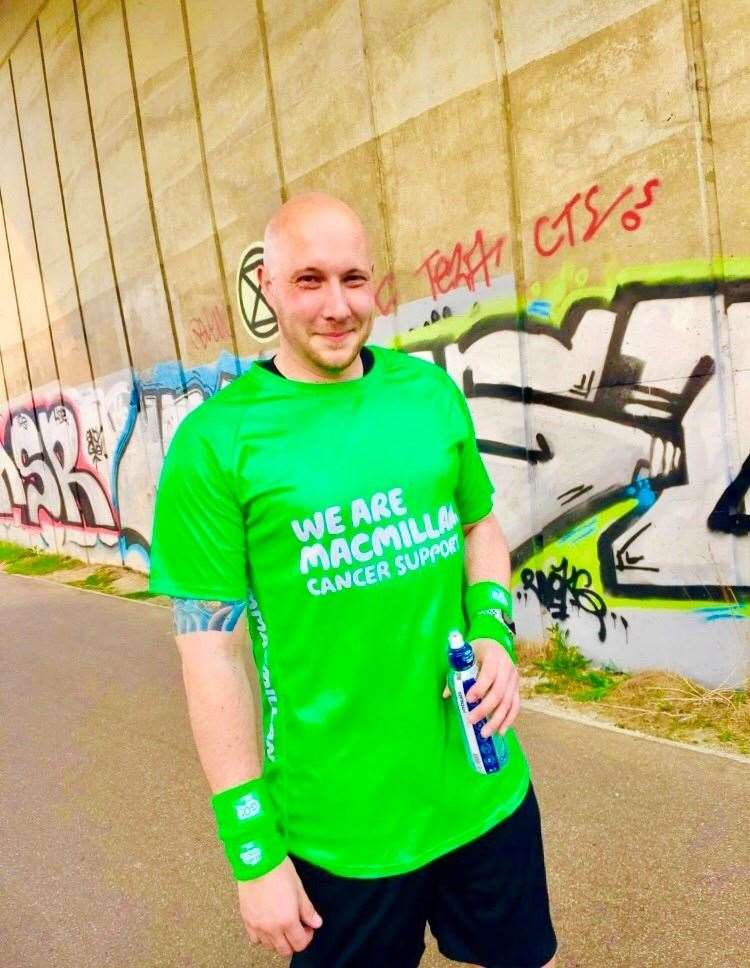 Darren is hoping to get round for Macmillan (9075305)