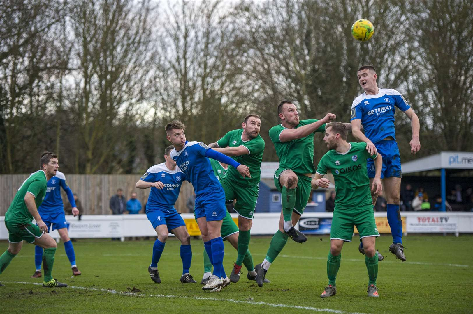 Football - Bury Town v Canvey Island - Canvey Island Clear Another Corner - Location - Ram Meadow - Picture - Neil Dady. (25916184)