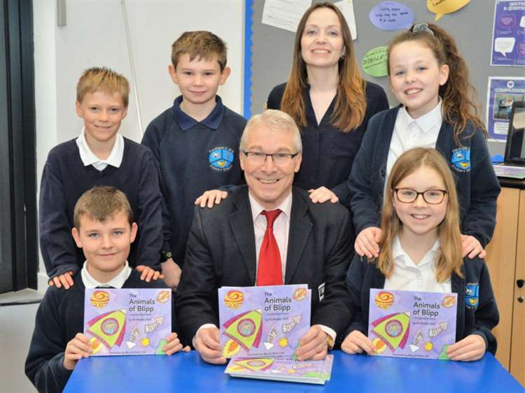 32c025ee Ex-head teacher entertains Fordham pupils at launch of his first ...