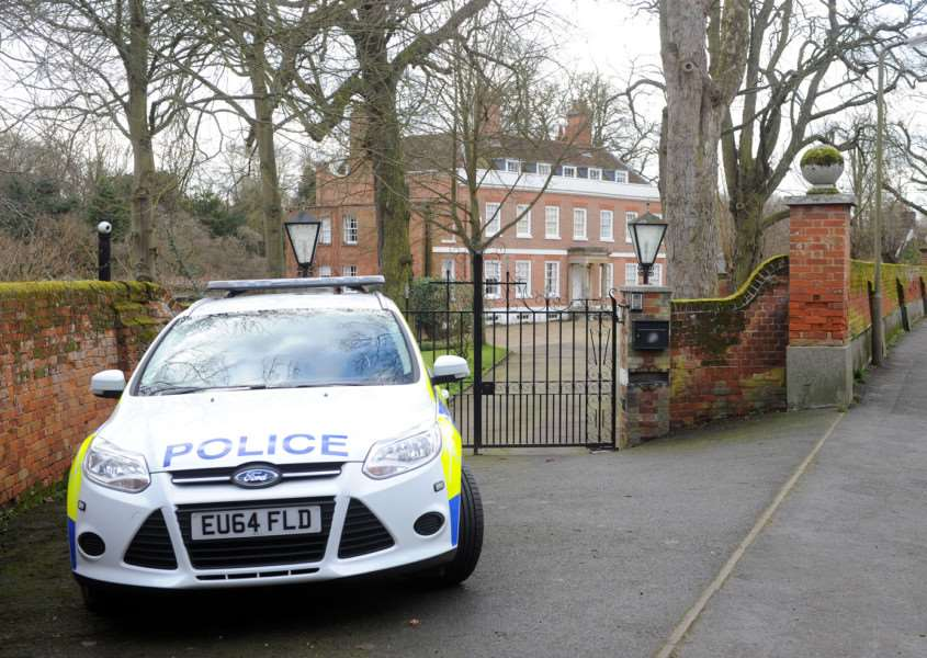 A man has been shot following a burglary in Sible Hedingham ANL-160702-165909001
