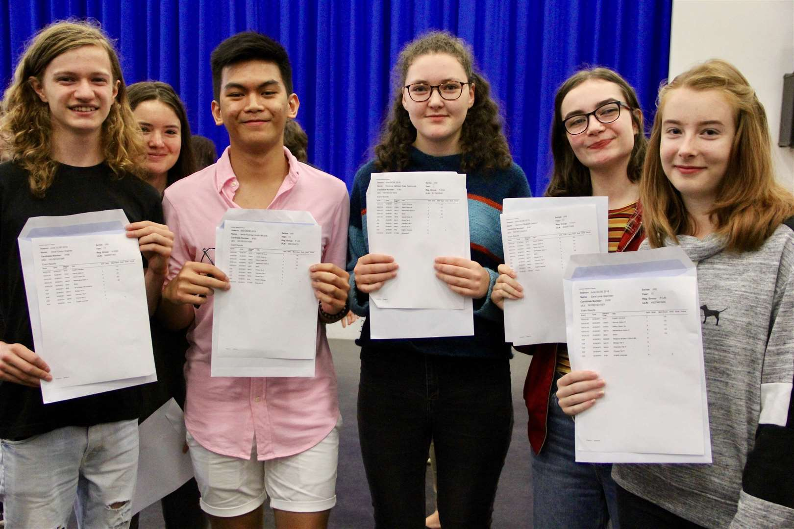 GCSE Results 2018 - Thomas Gainsborough School students celebrate their grades. Photo supplied by Dave Gooderham. (3771009)