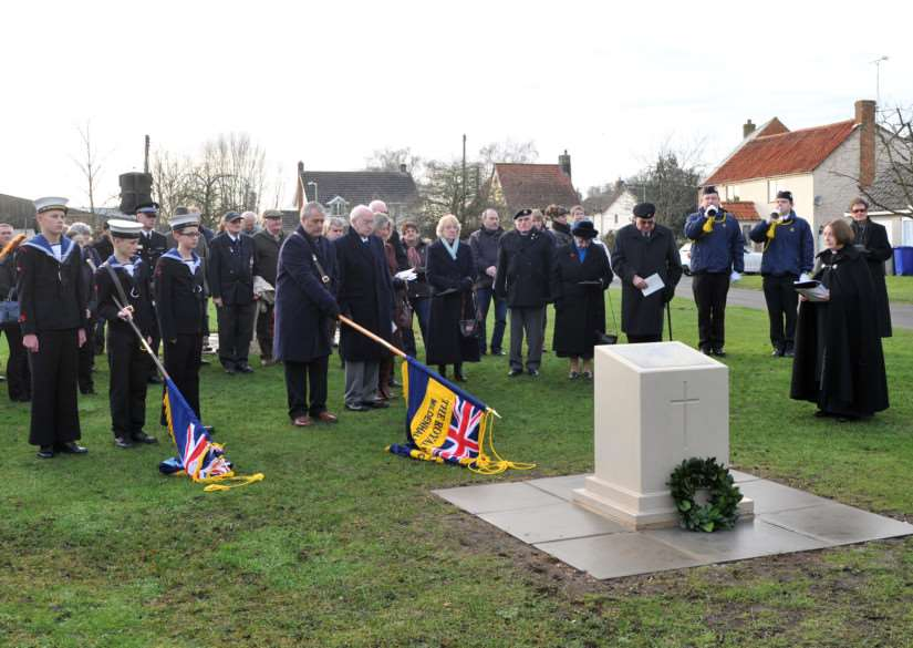 Unveiling of a new war memorial in Tuddenham St Mary ANL-141230-154316009