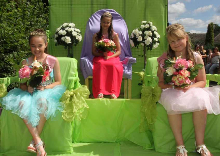Lakenheath Carnival Queen Millie Smith with princesses Millie Harrison Morley and Maddie Smith'Picture by Derek Leader ANL-160908-120445001