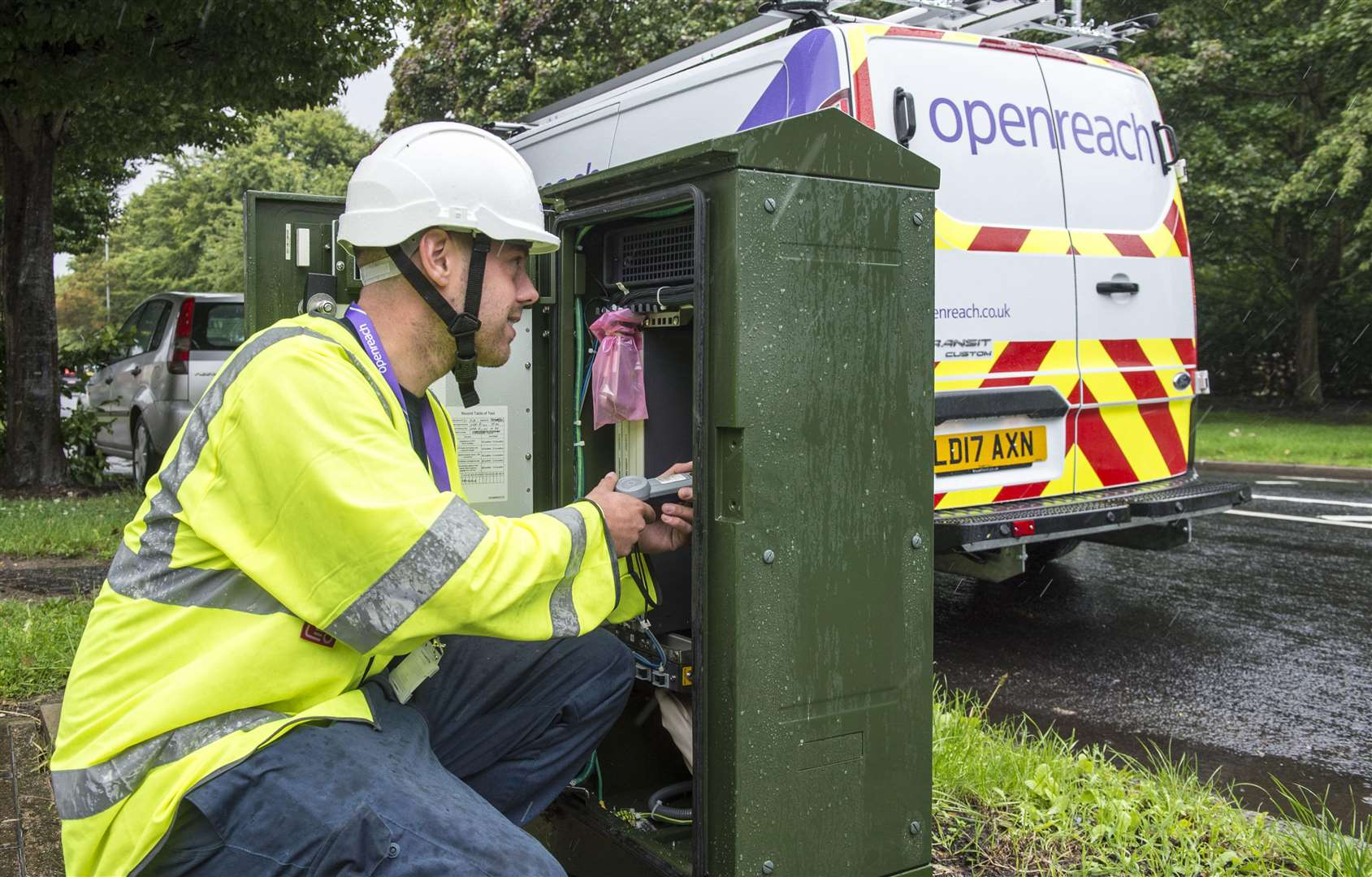 A BT Openreach engineer working on broadband connection (2716917)