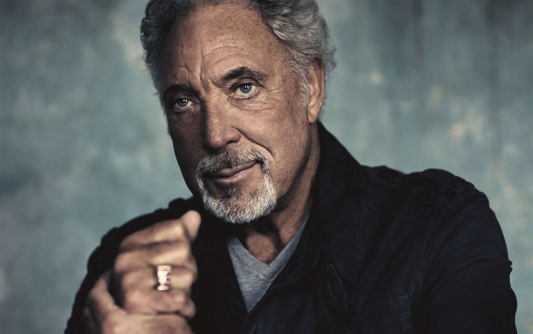 Welsh icon Tom Jones is set to return to headline Newmarket Nights later in the year, it has been announced.