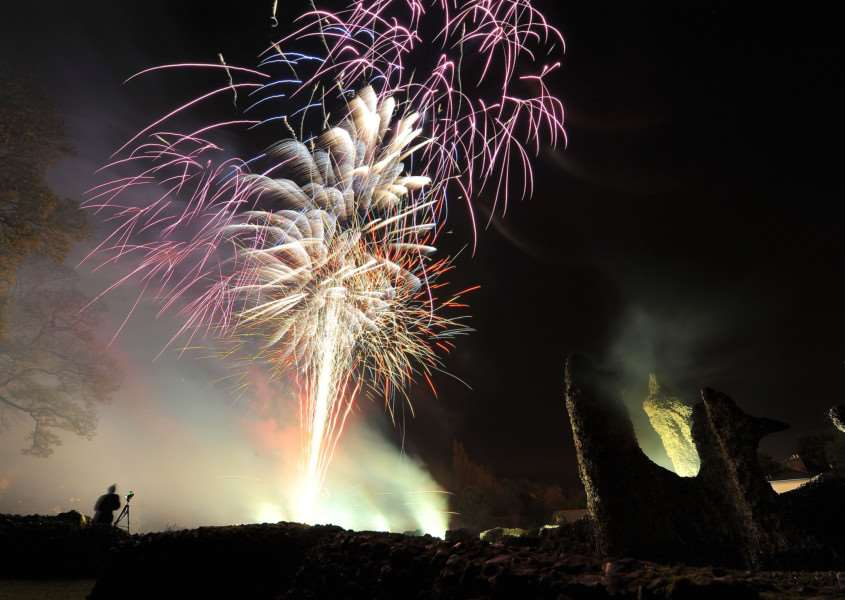 Fireworks display in the Abbey Gardens in Bury. ENGANL00120120411214711