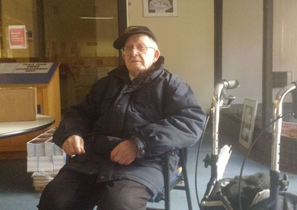 Derek Bluett, 89, is grateful for the help of a good samaritan in Bury St Edmunds who helped him after he was struck by a car. ANL-141229-111822001